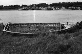 boat-wreck-river-water-gypsies
