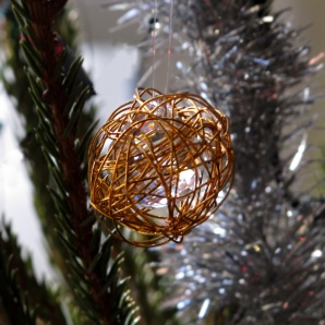 2013-Martinas-glass-drop-in-wire-nest