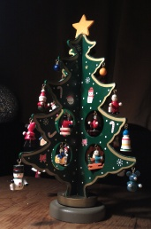wooden-christmas-tree-lidl